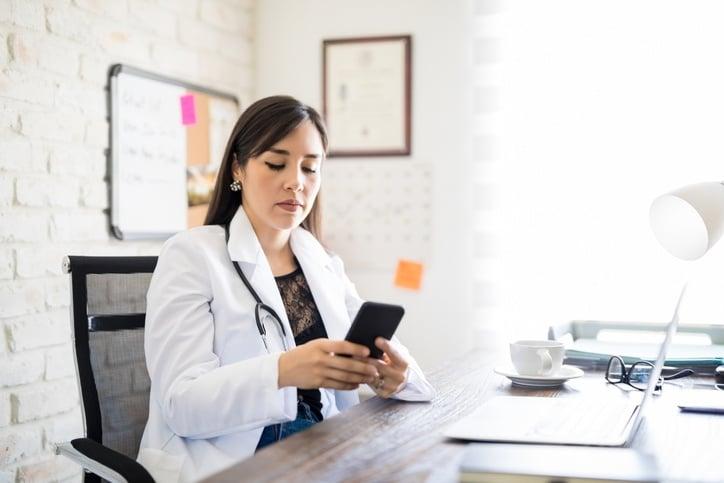 social-media-healthcare-professional